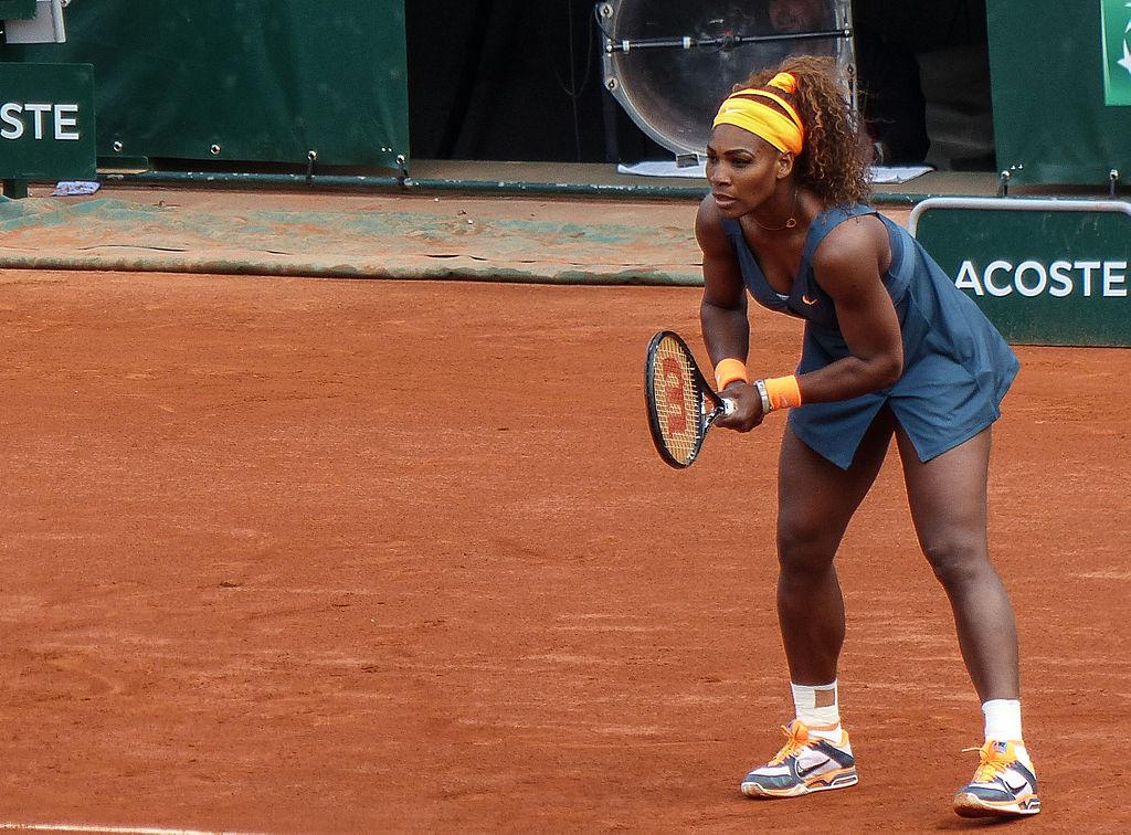 1024px-Serena_Williams_-_Roland_Garros_2013_-_002